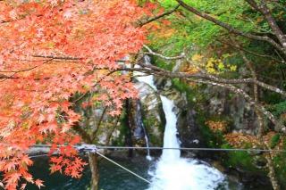 花貫渓谷、汐見滝と紅葉