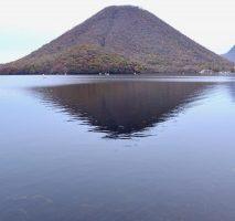 榛名湖の紅葉と榛名山