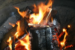 西新井大師護摩の火